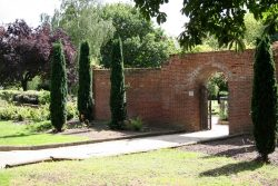 Top entrance gate